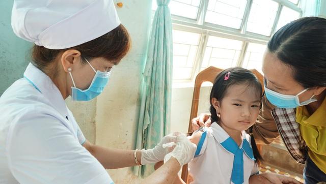 4 tổ công tác hỗ trợ kỹ thuật điều trị bạch hầu tại 4 tỉnh Tây Nguyên  - Ảnh 1.