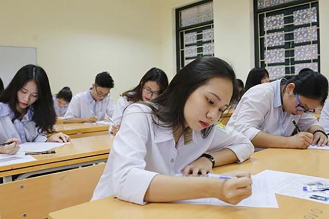 Hé lộ đề thi học sinh giỏi Quốc gia môn Văn qua các năm: Đề nào cũng sắc như dao cạo, thách thức mọi thí sinh khi làm bài - Ảnh 1.