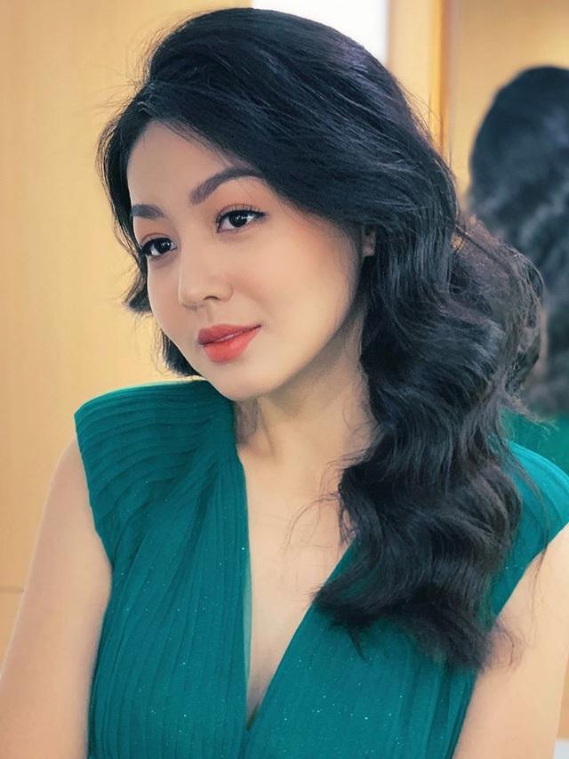 Vẻ xinh đẹp của MC Hồng Nhung Cà phê sáng - Ảnh 19.