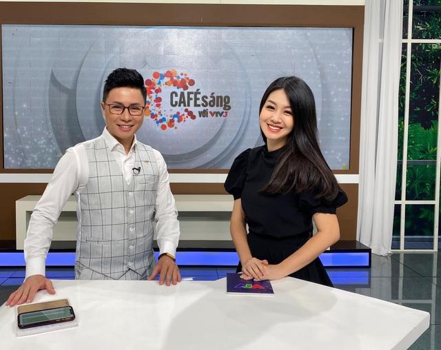 Vẻ xinh đẹp của MC Hồng Nhung Cà phê sáng - Ảnh 5.