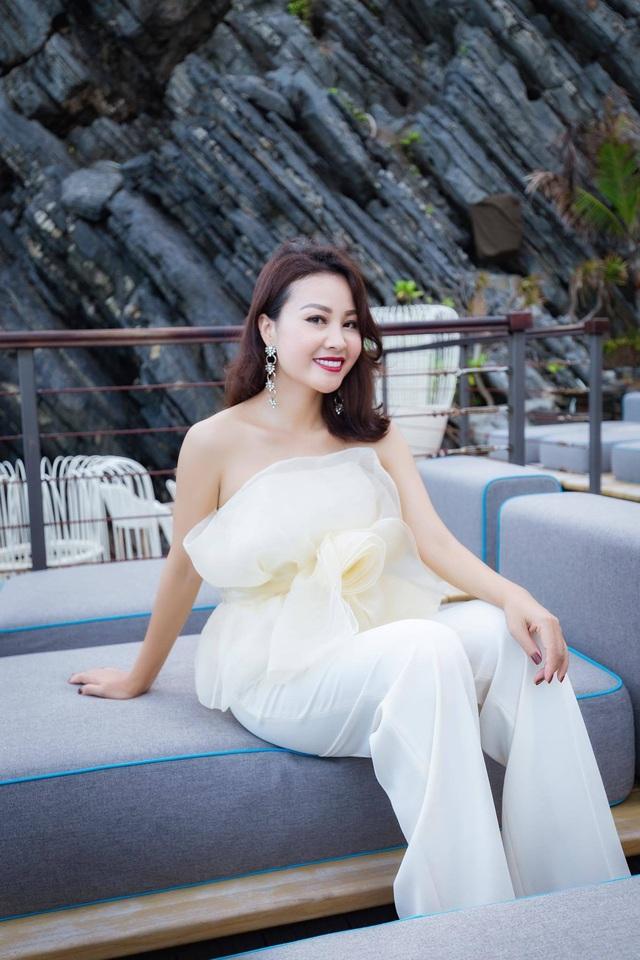 Điều ít biết về vợ xinh đẹp của NSƯT Đăng Dương - Ảnh 9.
