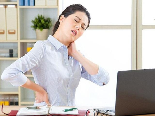 4 thói quen nhỏ nhặt âm thầm gây hại cho đường ruột, làm hỏng mạch máu và rút ngắn tuổi thọ mà nhiều người không biết - Ảnh 1.