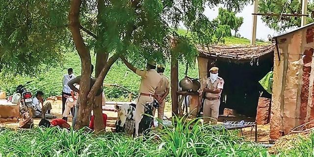 Phát hiện cả gia đình 11 người Pakistan chết bí ẩn trong đêm - Ảnh 1.