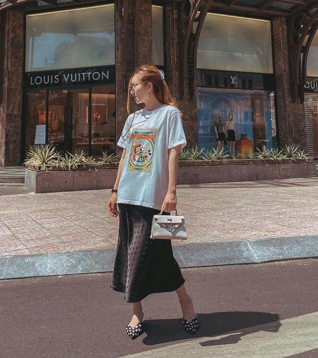 Thanh Hằng - Minh Hằng khoe điểm vàng cơ thể qua loạt street style hút mắt - Ảnh 4.
