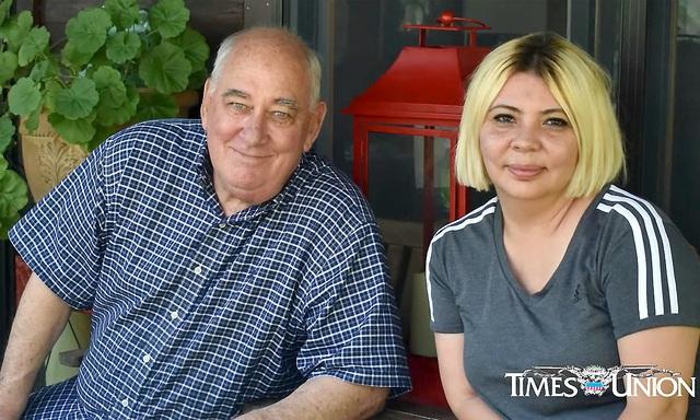 Người cha cựu binh Mỹ bất ngờ hội ngộ con gái gốc Việt sau 48 năm - Ảnh 1.