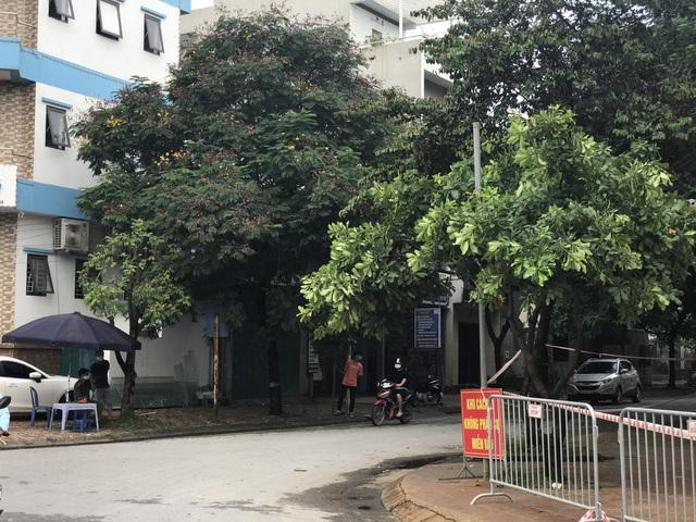 Hà Nội: Phong tỏa, cách ly, truy tìm những người từng đến quán bia hơi Lộc Vừng - Ảnh 3.
