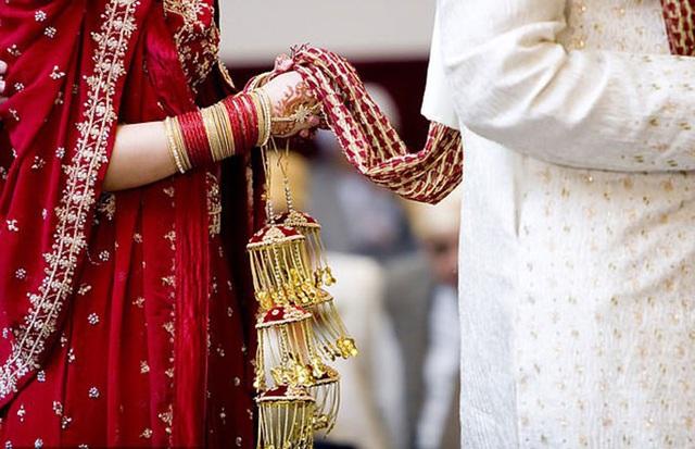 Vợ bị bắt sau khi chồng tự tử vì thiếu sex - Ảnh 2.
