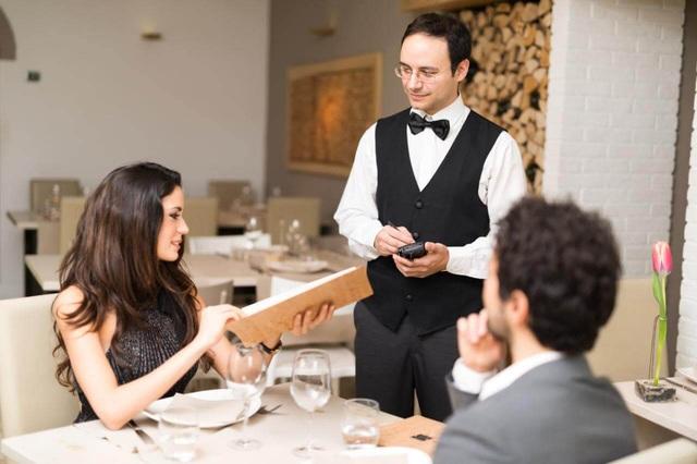 Những bí mật khủng khiếp đằng sau căn bếp mà nhà hàng thường che giấu - Ảnh 7.