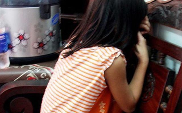 Bé gái nhanh trí thoát khỏi yêu râu xanh U70 nhờ xin nước uống - Ảnh 1.