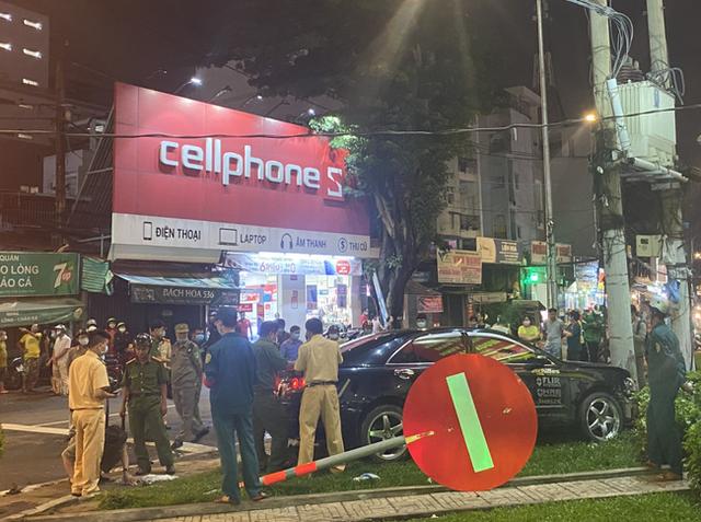 Thông tin mới nhất vụ nữ tài xế 9X lái Camry tông hàng chục xe máy giữa ngã tư - Ảnh 2.