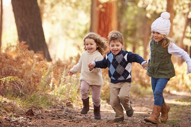 8 thứ trẻ cần phải có trong tuổi thơ - Ảnh 1.