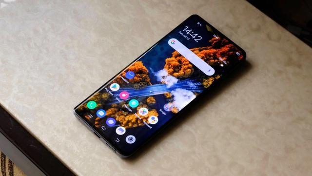 7 smartphone trên 10 triệu đồng sang như điện thoại cao cấp - Ảnh 3.