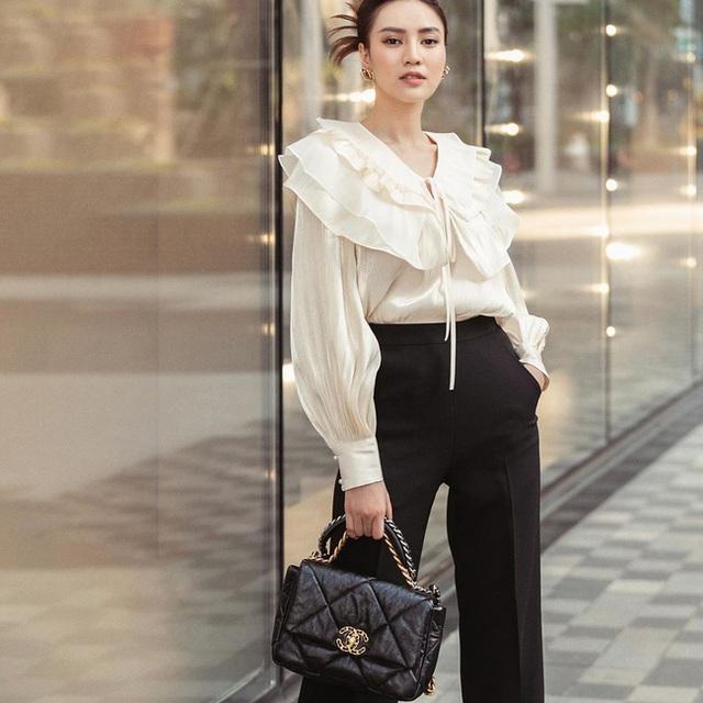7 cách diện áo blouse trắng của Lan Ngọc: Từ sexy mà vẫn tinh tế cho đến khéo giấu bắp tay to đều đủ cả - Ảnh 6.