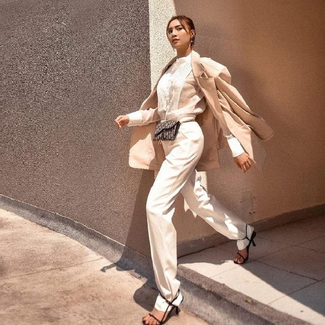 7 cách diện áo blouse trắng của Lan Ngọc: Từ sexy mà vẫn tinh tế cho đến khéo giấu bắp tay to đều đủ cả - Ảnh 8.