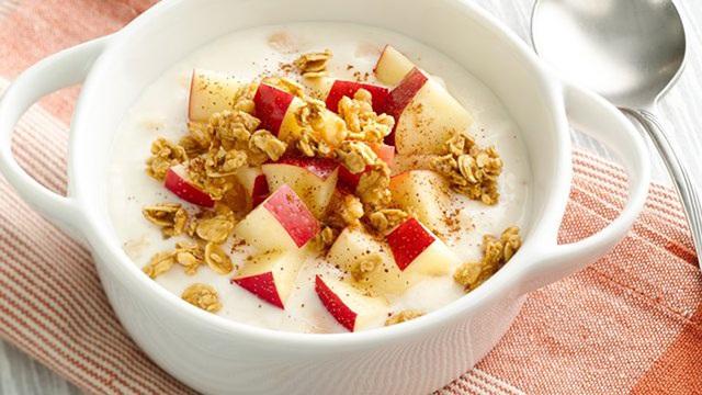 5 thực phẩm lành mạnh nhiều người hay dùng cho bữa sáng thực tế lại không hề tốt cho sức khỏe, thậm chí khiến bạn tăng cân - Ảnh 2.