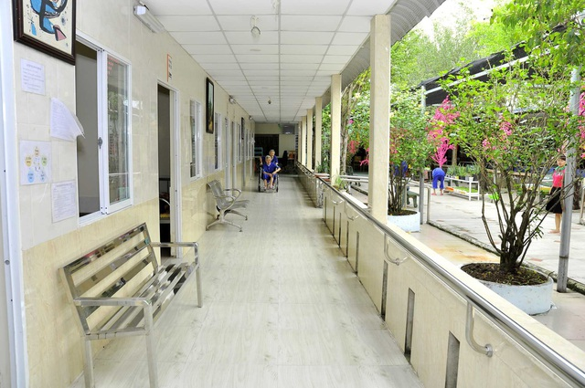 Khám phá cuộc sống của các cụ già ở Viện dưỡng lão hàng đầu Việt Nam - Ảnh 2.