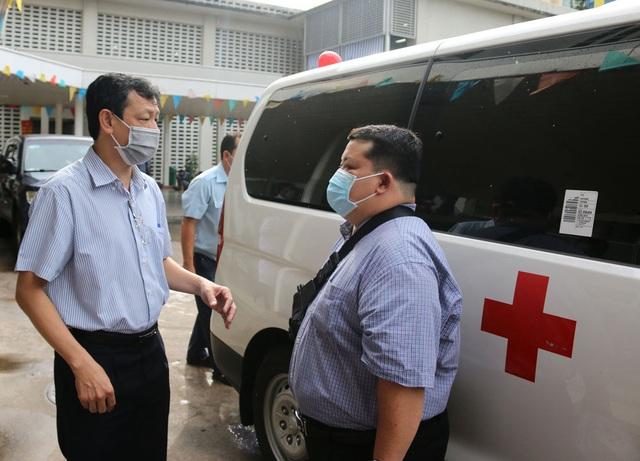 Bác sĩ Bệnh viện Chợ Rẫy ra Đà Nẵng hỗ trợ Bệnh viện phổi Đà Nẵng - Ảnh 3.
