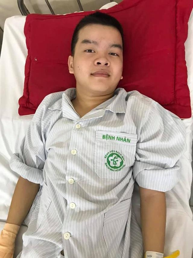 Thức giấc sau một đêm, nam sinh lớp 8 khóc nghẹn khi tứ chi bị liệt - Ảnh 2.