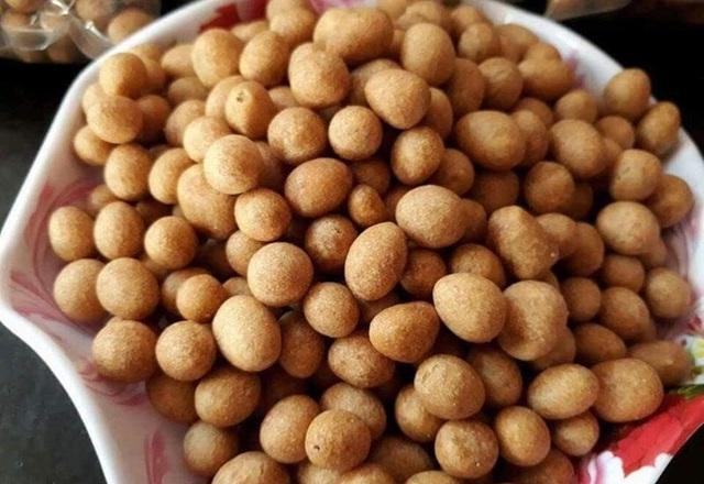 Tự làm 4 món ăn vặt từ đậu phộng - Ảnh 1.