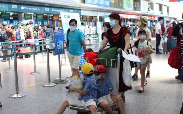 Bố trí 2 chuyến bay để du khách mắc kẹt rời Đà Nẵng - Ảnh 3.