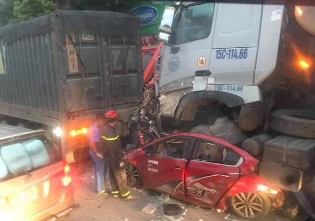 Lời khai sốc của tài xế xe container đâm ô tô chờ đèn đỏ làm 3 người tử vong - anh 2