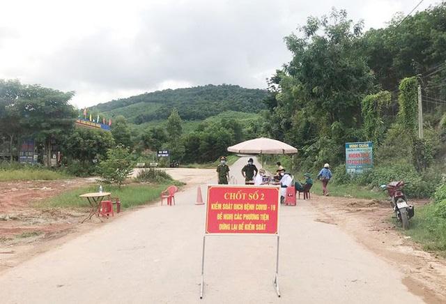 Chốt cách ly tại huyện Sơn Động, tỉnh Bắc Giang. Ảnh: Nguyễn Thắng