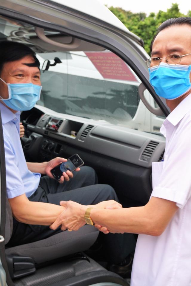 Đoàn cán bộ y tế Hải Phòng vào chi viện thành phố kết nghĩa Đà Nẵng - Ảnh 8.