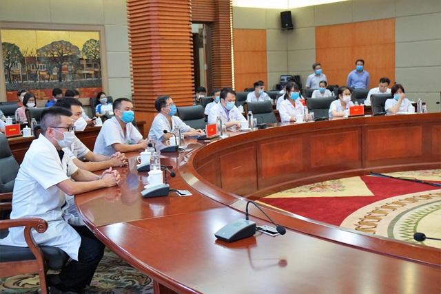 Đoàn cán bộ y tế Hải Phòng vào chi viện thành phố kết nghĩa Đà Nẵng - Ảnh 4.