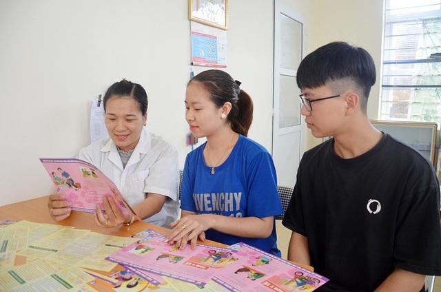 Quảng Ninh: Nhiều hoạt động thiết thực chăm sóc sức khỏe sinh sản vị thành niên, thanh niên - Ảnh 1.