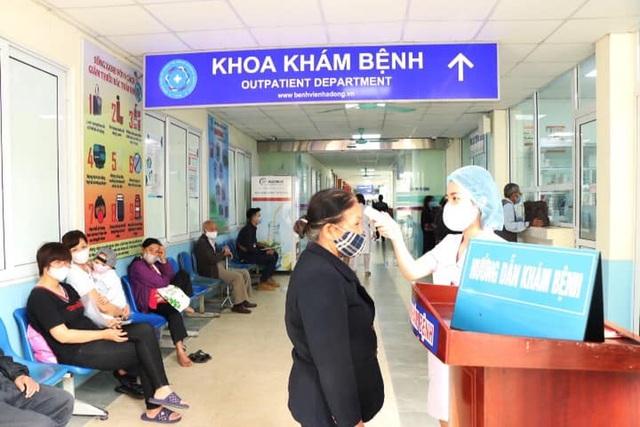 Bệnh viện Đa khoa Hà Đông thông tin về ca COVID-19 mới nhất của Hà Nội đã đến khám - Ảnh 3.