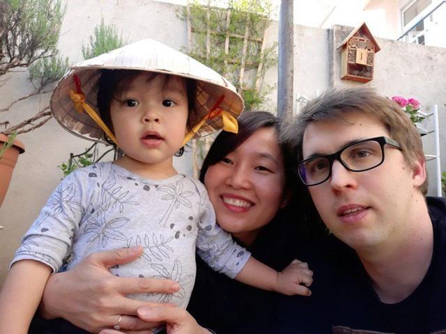 Lấy phó giám đốc người Pháp, cô gái Việt ngày nào cũng đòi về nước - Ảnh 1.