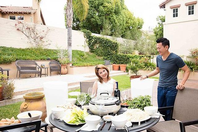 """""""Búp bê"""" Thanh Thảo tránh dịch COVID-19 fan mới có dịp ngắm khu vườn đầy hoa trái trong biệt thự triệu đô của cô ở Mỹ - Ảnh 3."""