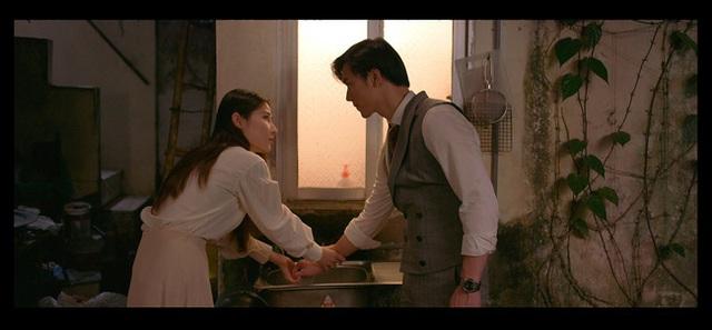"""Trong phim liên tiếp ôm hôn, ngoài đời bị đồn bơ nhau, cặp đôi """"Tình yêu và tham vọng nói gì? - Ảnh 1."""