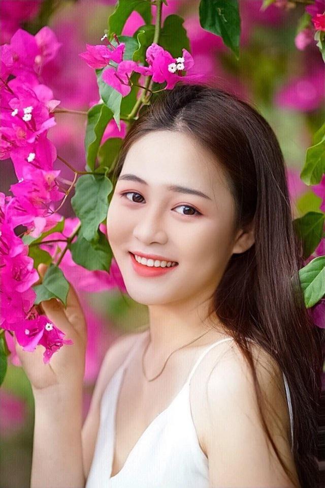 Cô gái Quảng Nam có gương mặt đẹp như minh tinh dự thi Hoa hậu Việt Nam 2020 - Ảnh 1.