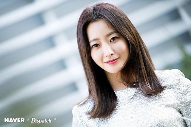 Kim Hee Sun tiết lộ 4 bí quyết để trẻ mãi không già - Ảnh 1.