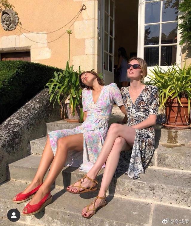 5 phong cách tinh tế, cực hút mắt các cô gái Pháp luôn diện khi Thu về - Ảnh 10.