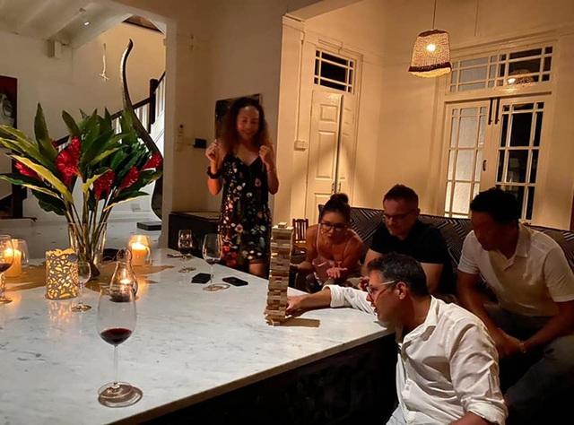 Cận cảnh ngôi nhà cổ 80 năm tuổi rộng 5.600m2 của siêu mẫu Bằng Lăng ở Singgapore, toàn bộ nội thất được chuyển sang từ Mỹ - Ảnh 10.
