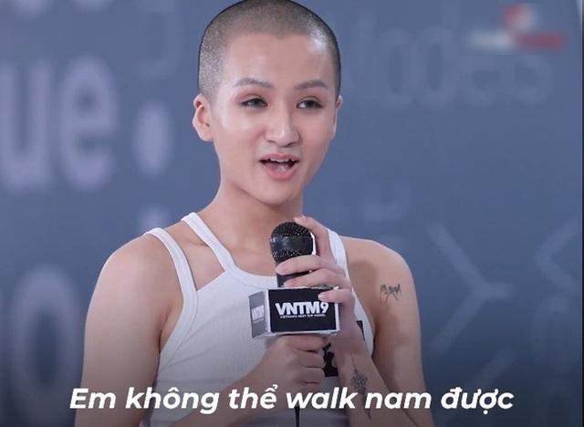 Vietnams Next Top Model: Võ Hoàng Yến quát lớn nam thí sinh cạo đầu đi thi người mẫu vì nói gì cũng đều không hiểu - Ảnh 2.
