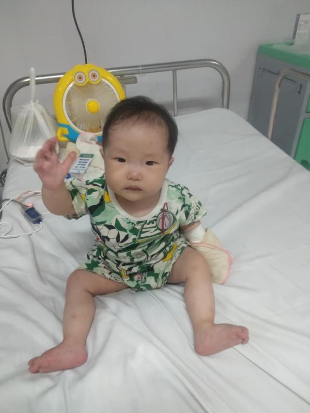 Xót xa bé 11 tháng tuổi thân hình yếu ớt cần tiền phẫu thuật tim gấp - Ảnh 3.