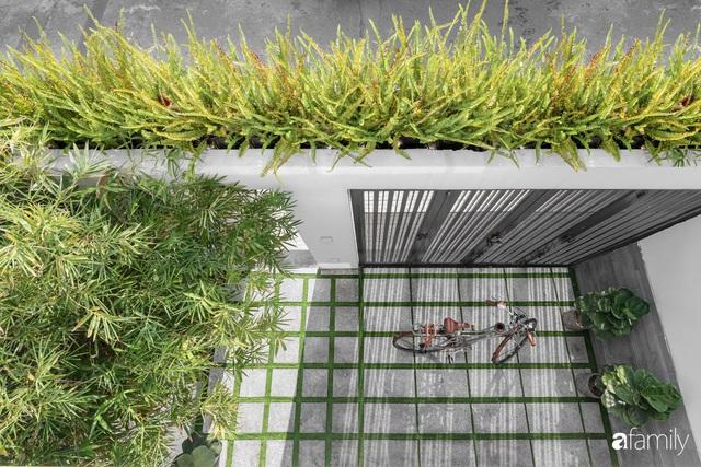Có thiết kế hợp khối với nhà hàng xóm, nhìn bên ngoài nhà ống mà như biệt thự sang chảnh vừa làm nhà ở vừa kinh doanh ở Sài Gòn - Ảnh 2.