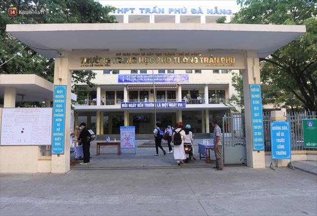 """Ngày đầu học sinh Đà Nẵng đi học lại sau giãn cách xã hội theo phương châm """"5K"""" - Ảnh 4."""