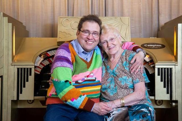 15 năm hôn nhân của bà cụ 83 và chồng 45 tuổi - Ảnh 4.
