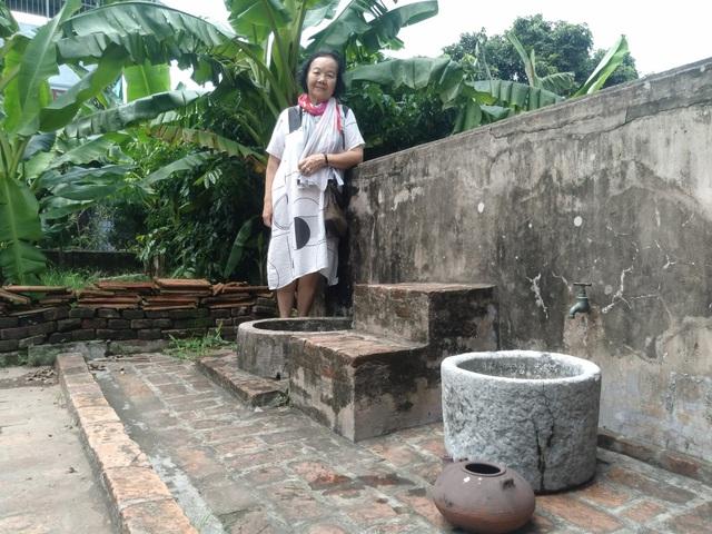 """""""Thị Nở Đức Lưu ngỡ ngàng với cổng nhà Bá Kiến sau 38 năm trở lại làng Vũ Đại - Ảnh 3."""