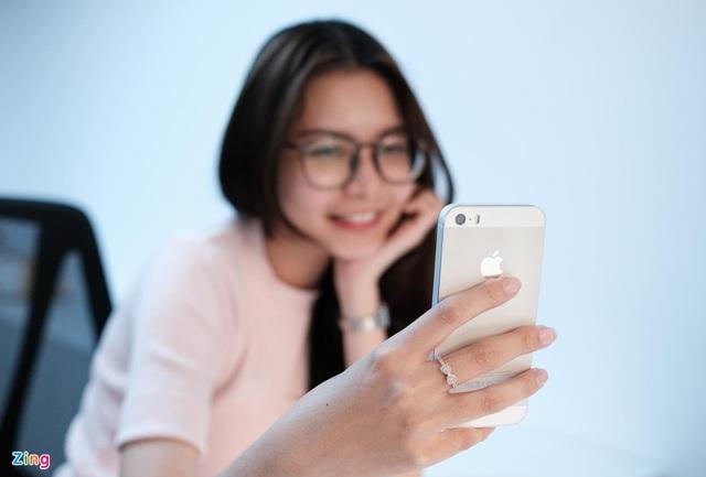 Chiếc iPhone giá trăm triệu khi về Việt Nam đầu tiên - Ảnh 2.
