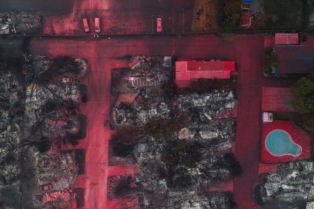 Khung cảnh như tận thế vì cháy rừng ở Bờ Tây nước Mỹ - Ảnh 2.
