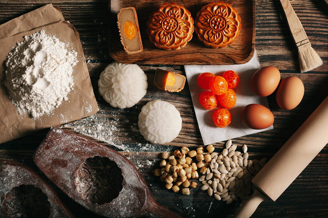 Có thể bạn chưa biết: nguyên liệu bí mật trong chiếc bánh trung thu cổ truyền - Ảnh 1.