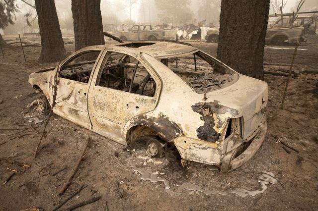 Khung cảnh như tận thế vì cháy rừng ở Bờ Tây nước Mỹ - Ảnh 3.