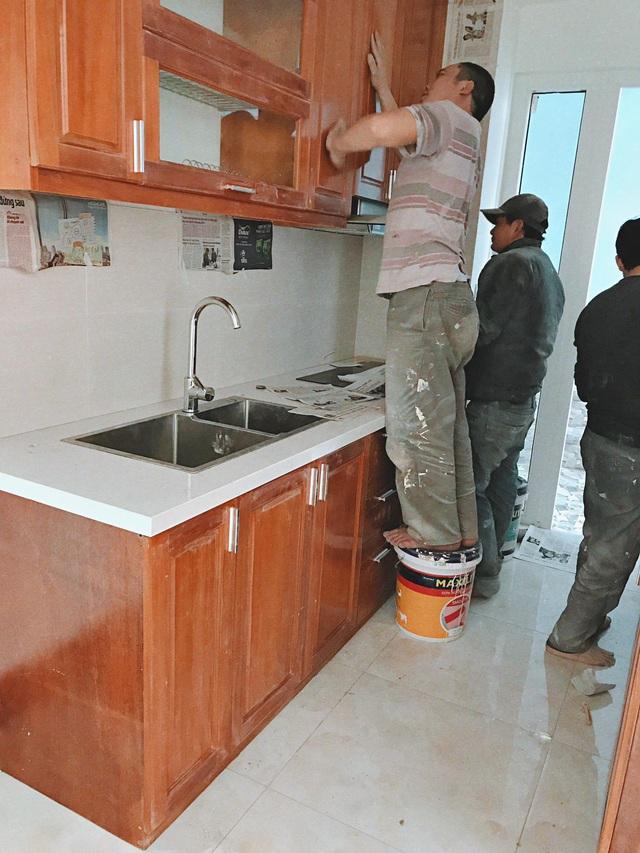 Căn bếp vừa gọn vừa xinh sau khi cải tạo với chi phí 2,6 triệu đồng của cô gái Hà Nội - Ảnh 2.