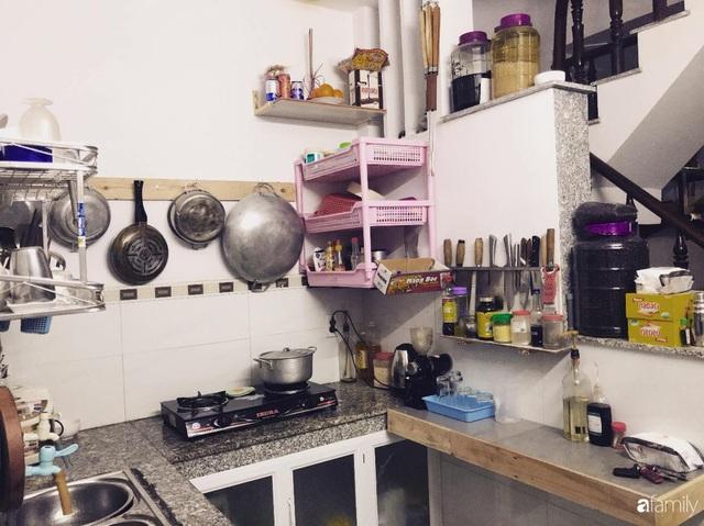 Căn bếp vỏn vẹn chỉ 5m² được ông bố Sài Gòn cải tạo tiện dụng cho việc nấu nướng hàng ngày có chi phí hơn 2 triệu đồng - Ảnh 3.