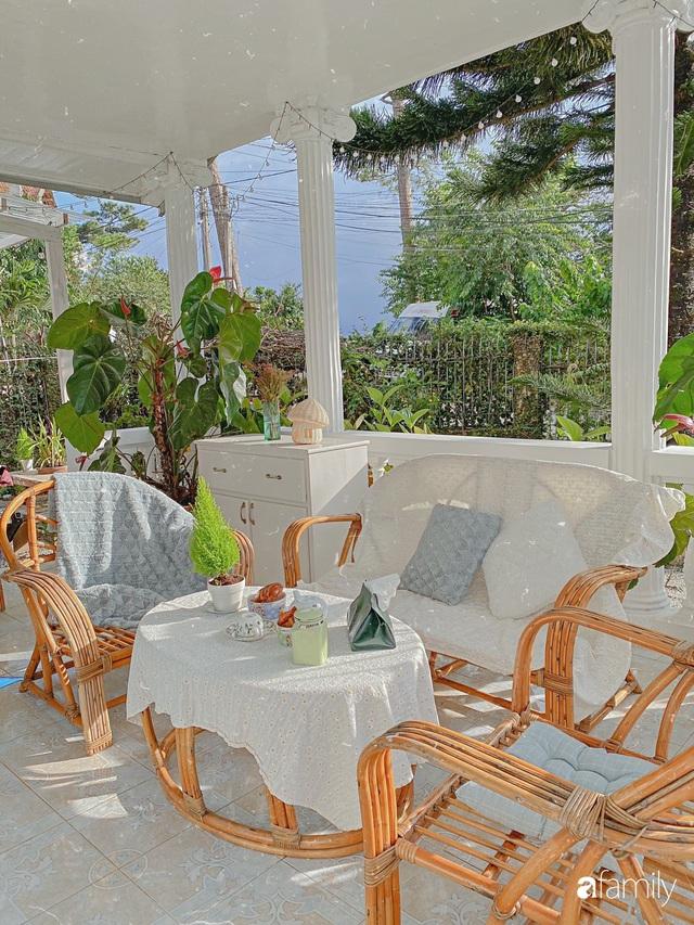 Ngôi nhà màu xanh an yên đẹp như cổ tích của vợ chồng trẻ bỏ việc lương cao ở Sài Gòn về Đà Lạt sinh sống - Ảnh 25.